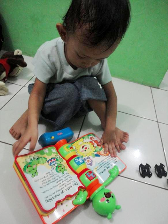 Membaca Storybook Rhymes