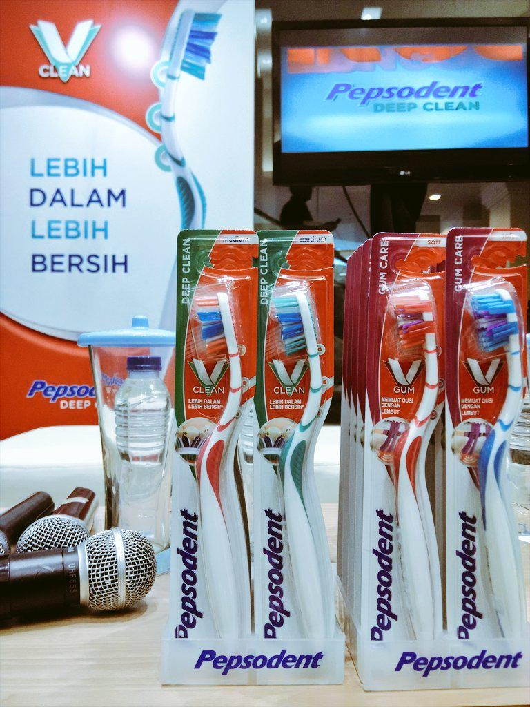 Pepsodent Deep Clean